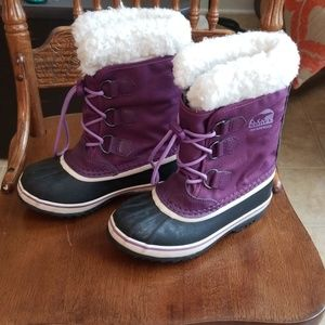 Girls sz 1 Waterproof Sorel duck boots euc